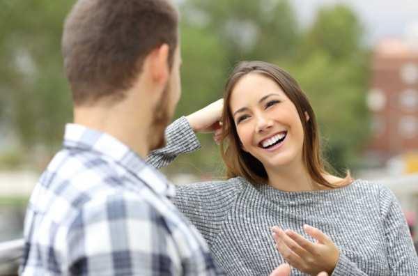 چگونه با یک دختر صحبت کنیم، حرف زدن با دختر
