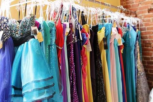 برای مراسم عروسی دوستم چی بپوشم
