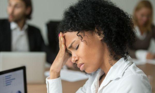علت عقب افتادن پریود در دختران و زنان