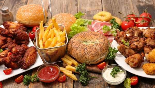 7 غذایی که باعث آکنه می شود