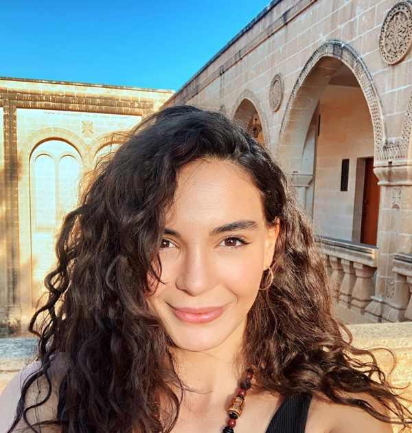 بیوگرافی ابرو شاهین Ebru Şahin بازیگر زیبای ترکیه