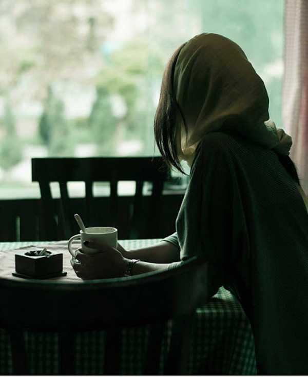 عکس پروفایل دخترانه غمگین بدون متن
