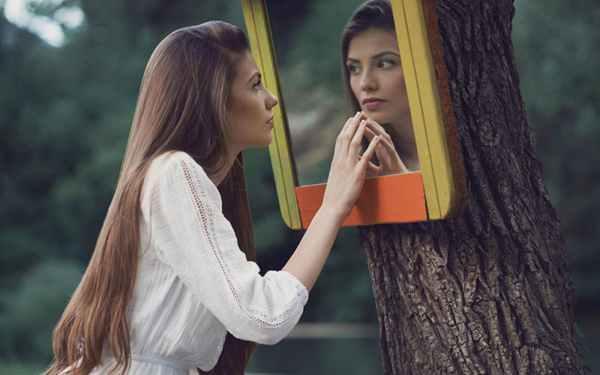 چگونه یک خانم با شخصیت باشم و خانومانه رفتار کنم