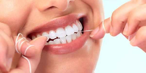 علت تلخی دهان چیست، درمان های خانگی تلخی دهان