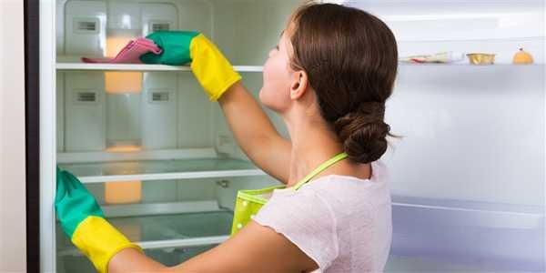 راه های از بین بردن بوی بد یخچال
