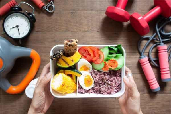 رابطه زمان غذا خوردن و چاقی، بهترین زمان غذا خوردن