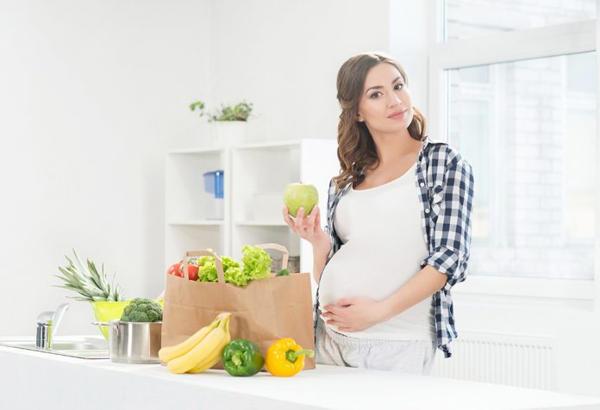 در سه ماه دوم بارداری چه چیزهایی بخوریم؟
