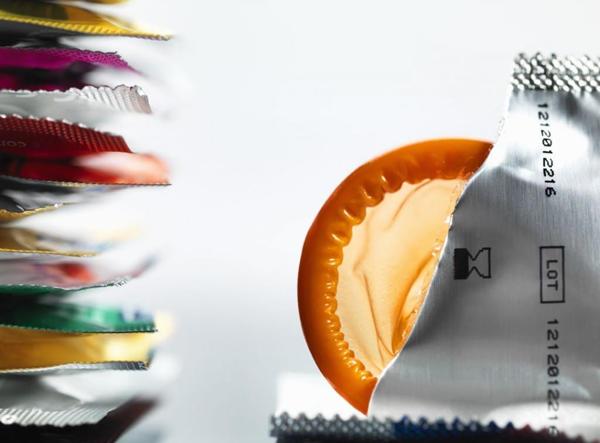 روش استفاده از کاندوم